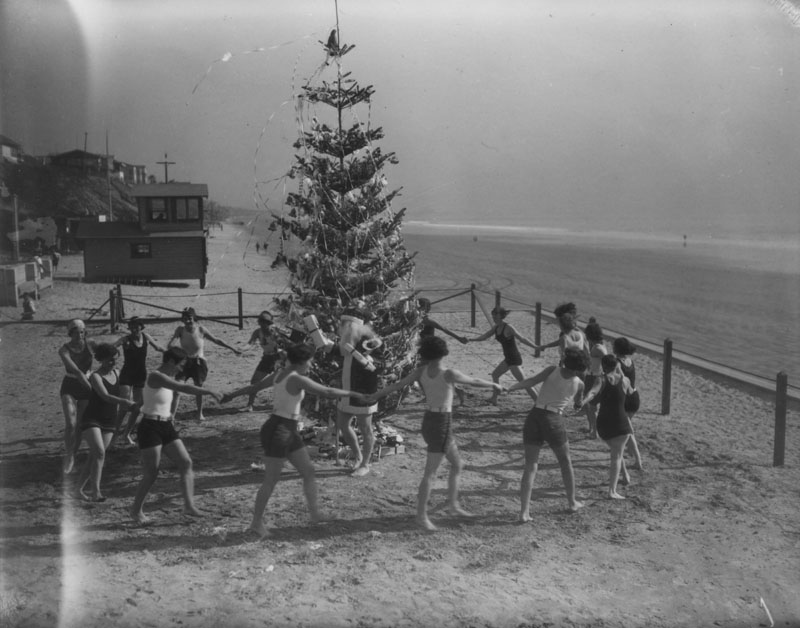 Long Beach Christmas, [ca. 1920], Los Angeles Public Library Photo Collection